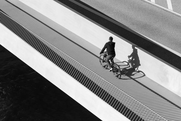 Baakenhafenbrücke Hamburg, Radfahrer | Kai-Uwe Klauss Architecturephotography