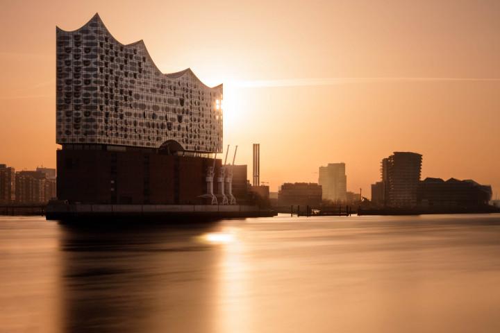 Elbphilharmonie im Sonnenaufgang #3 | Kai-Uwe Klauss Photography