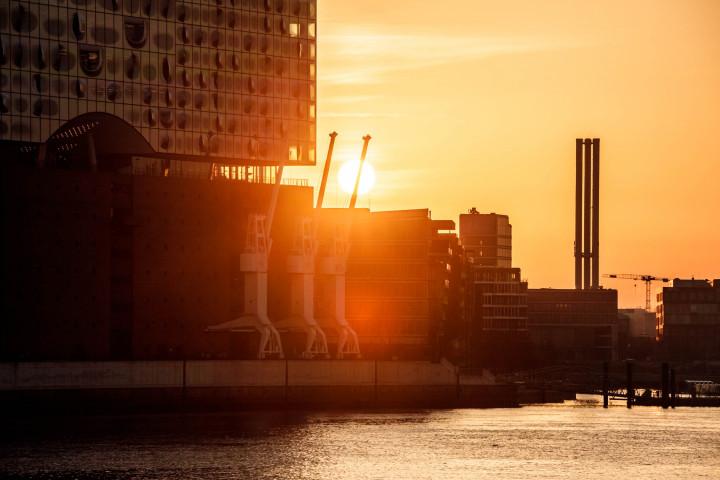 Elbphilharmonie im Sonnenaufgang #1 | Kai-Uwe Klauss Photography