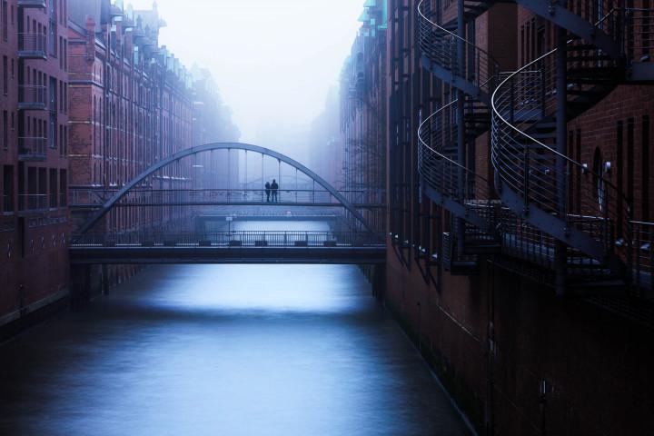 Kehrwiederfleet im Nebel #2 | Kai-Uwe Klauss Architecturephotography