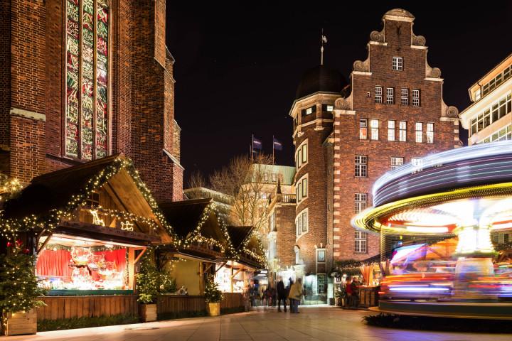 Weihnachtsmarkt an der Petri-Kirche, Hamburg #1 | Kai-Uwe Klauss Photography