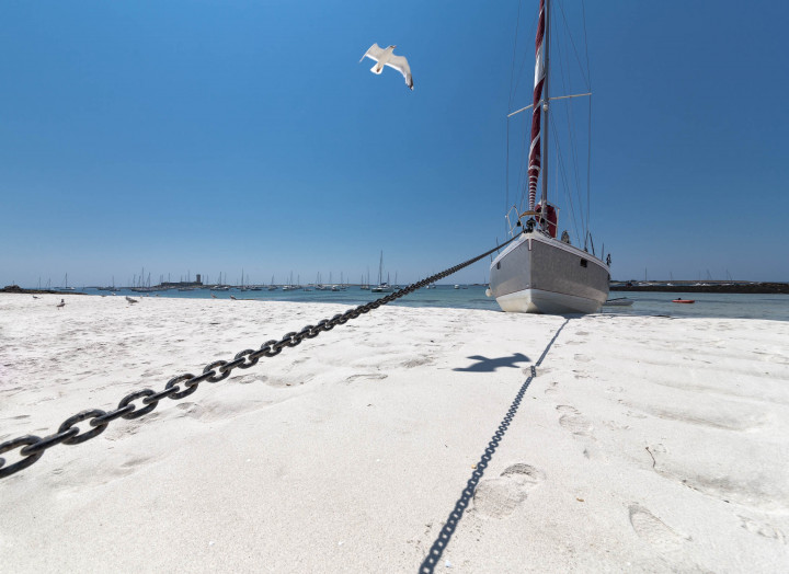 Weißer Sand, Strans, Segelboot, Möwe | Kai-Uwe Klauss Photography