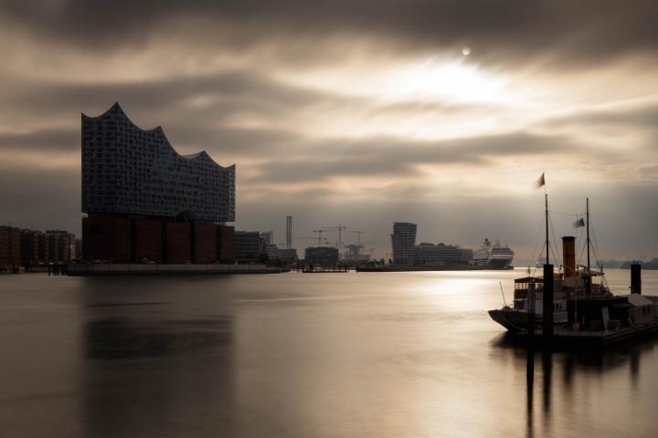 Scharhörn und Elbphilharmonie #2 | Kai-Uwe Klauss Photography