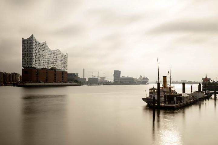 Scharhörn und Elbphilharmonie #1 | Kai-Uwe Klauss Photography