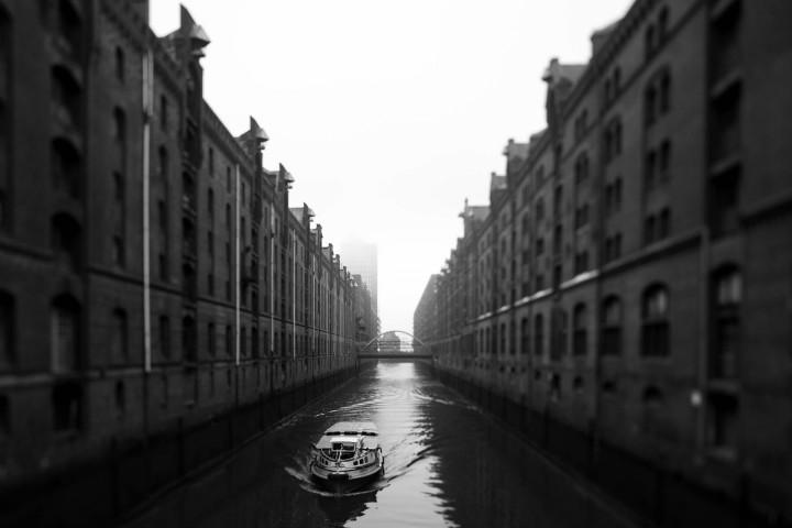 Hamburger Speicherstadt im Nebel #12 | Kai-Uwe Klauss Architecturephotography