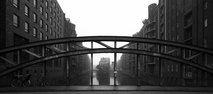 Hamburger Speicherstadt im Nebel #14 | Kai-Uwe Klauss Architecturephotography