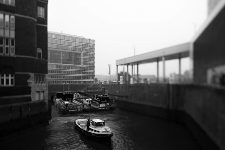 Speicherstadt im Nebel #3 | Kai-Uwe Klauss Photography