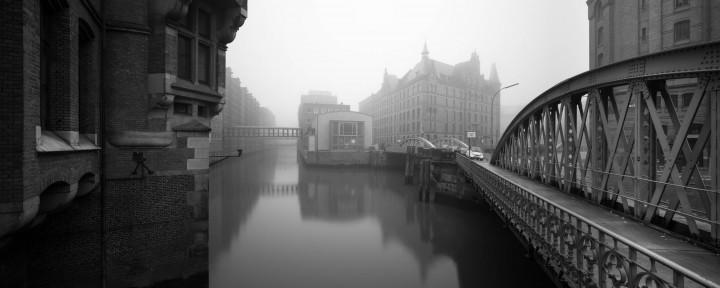Speicherstadt im Nebel #4 | Kai-Uwe Klauss Photography
