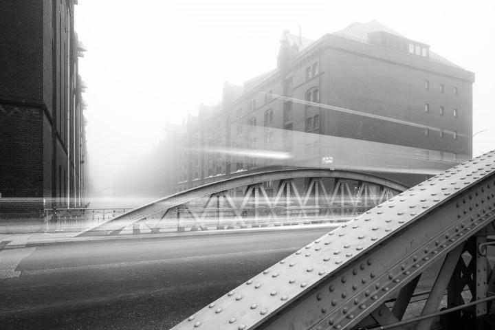 Hamburger Speicherstadt im Nebel #5 | Kai-Uwe Klauss Architecturephotography