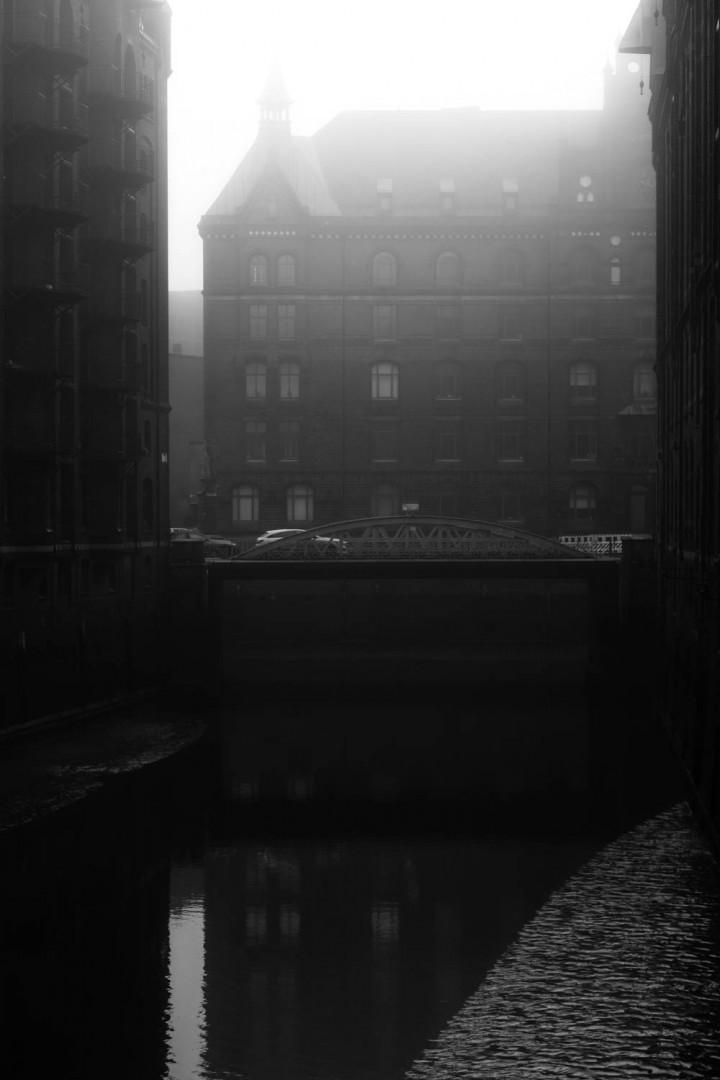 Speicherstadt im Nebel #108 | Kai-Uwe Klauss Architecturephotography