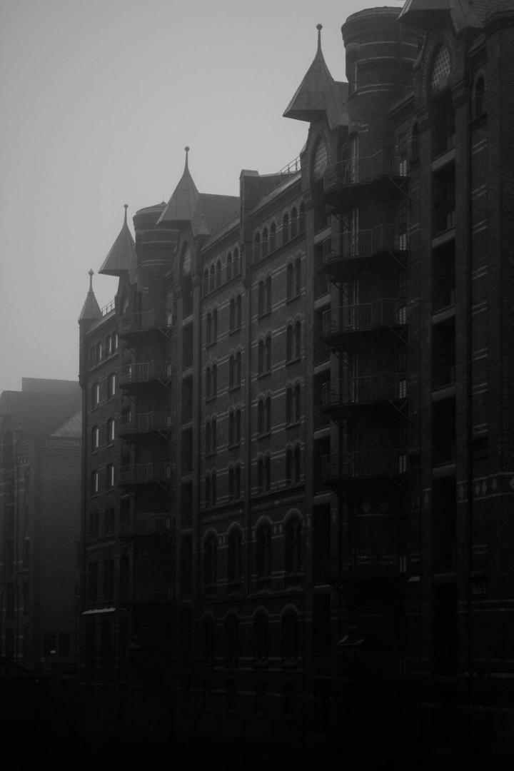 Speicherstadt im Nebel #74 | Kai-Uwe Klauss Architecturephotography