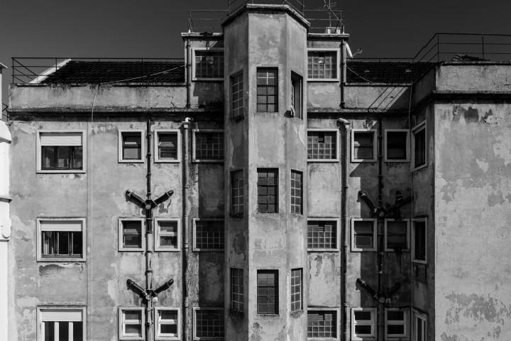 Hinterhof in Lissabon #1 | Kai-Uwe Klauss Architecture Photography
