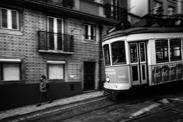 Tram, Lissabon Alfama #31 | Kai-Uwe Klauss Architecture Photography