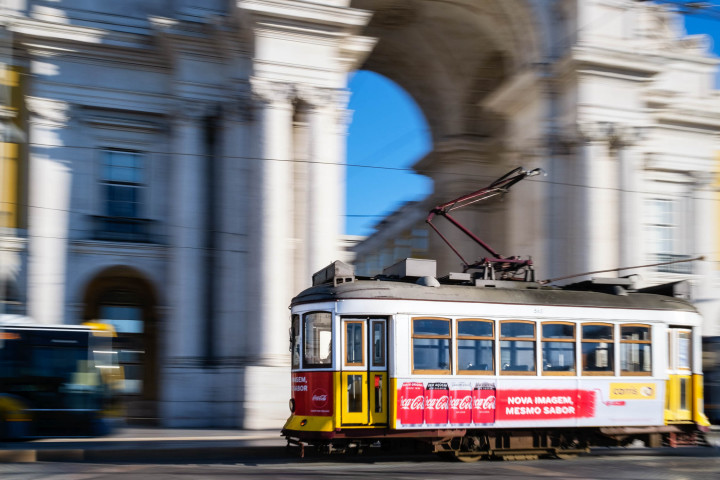 Praça do Comércio, Tram, Lissabon #48 | Kai-Uwe Klauss Architecture Photography