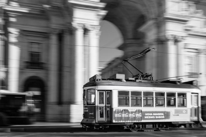 Praça do Comércio, Tram, Lissabon #49 | Kai-Uwe Klauss Architecture Photography