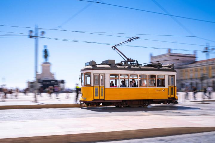Praça do Comércio, Tram, Lissabon #53 | Kai-Uwe Klauss Architecture Photography